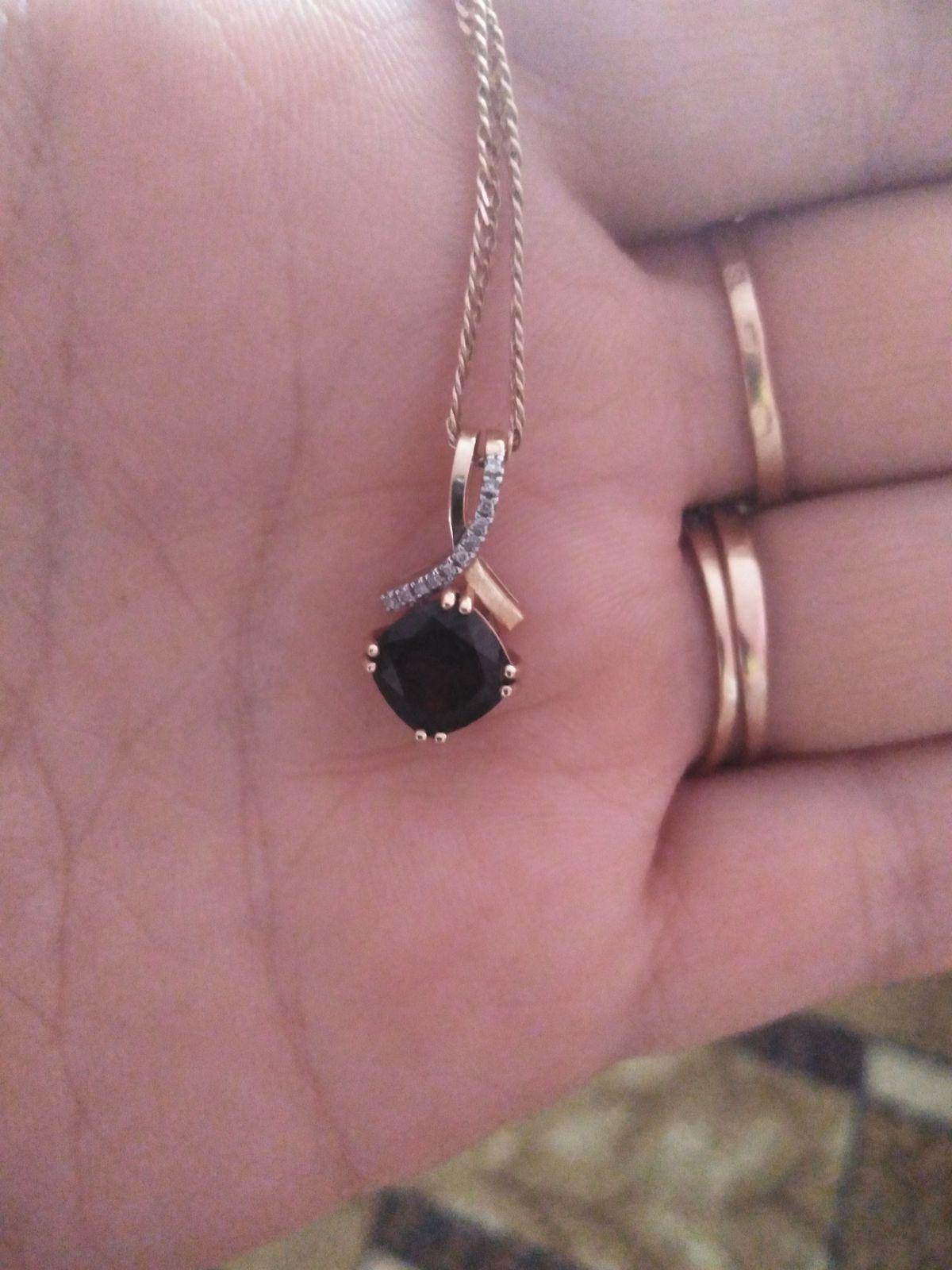 Гранат и бриллиант
