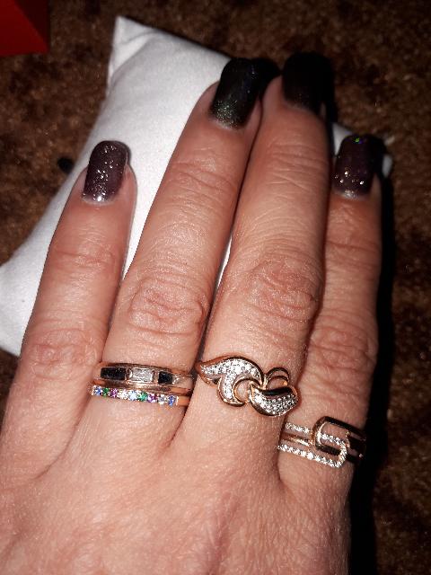 Для меня ,дорогое и родное кольцо от моей семьи