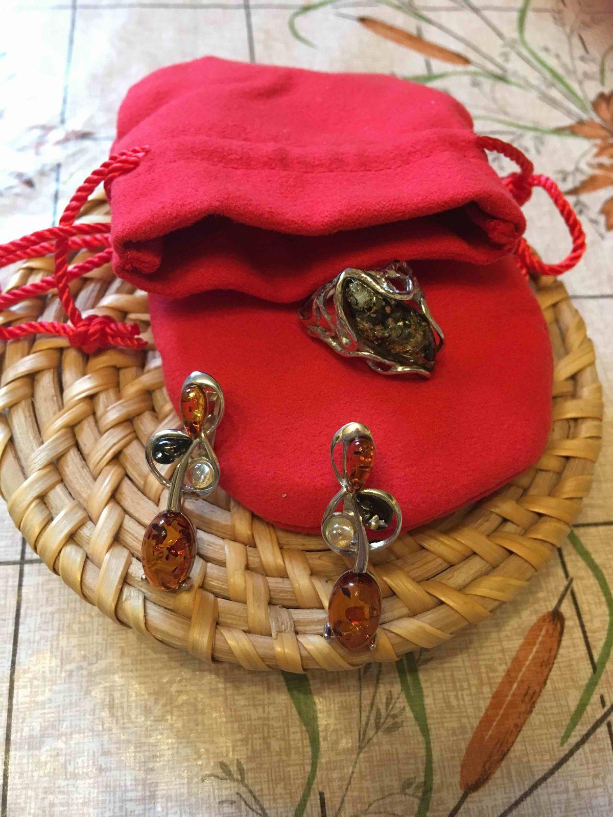 Серьги с разноцветным янтарем