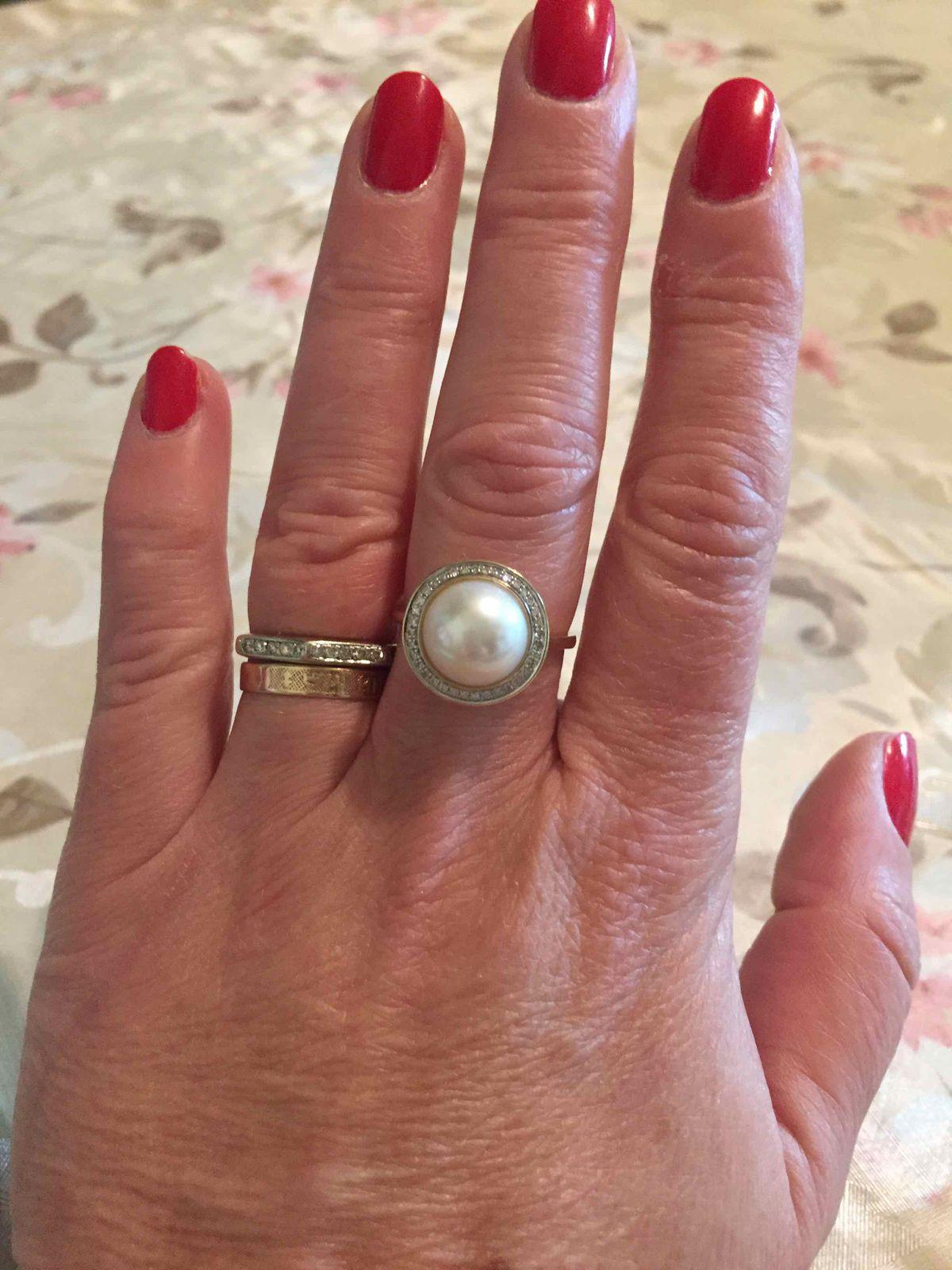 Золотое кольцо с жемчугом и бриллиантами!