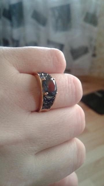 Я просто без ума от этого кольца! Очень удобное! Красивая огранка! Шикарное