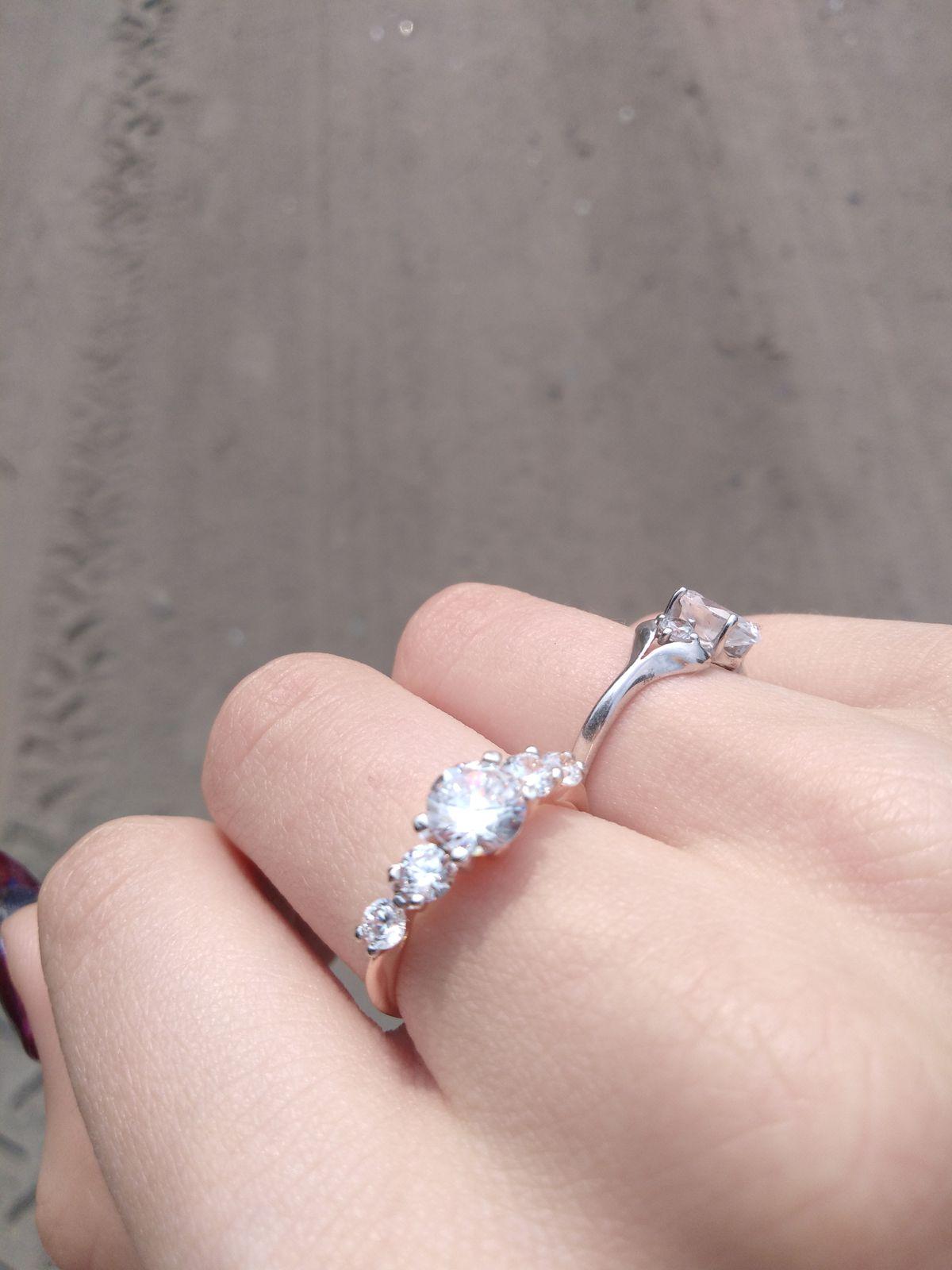 Кольцо, с фианитами, девятьсот двадцать пятой пробы, серебро