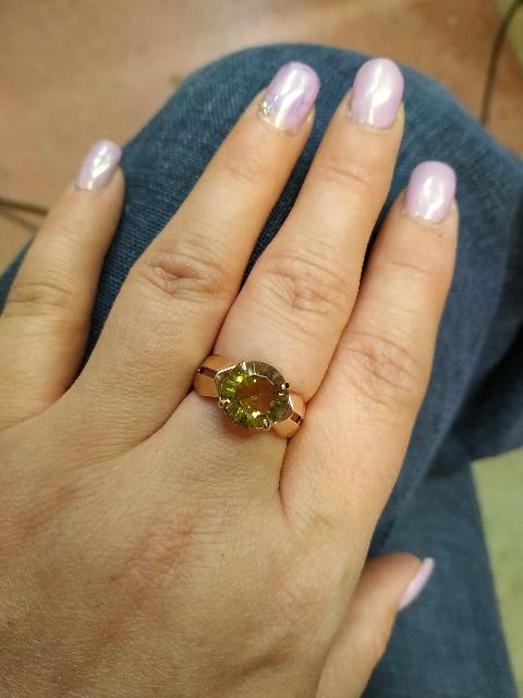 Кольцо с султанитом.