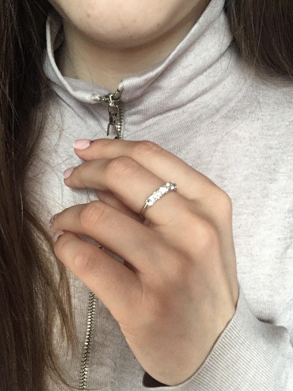 Это кольцо-моя сбывшаяся мечта, благодаря sunlight. оно идеальное.