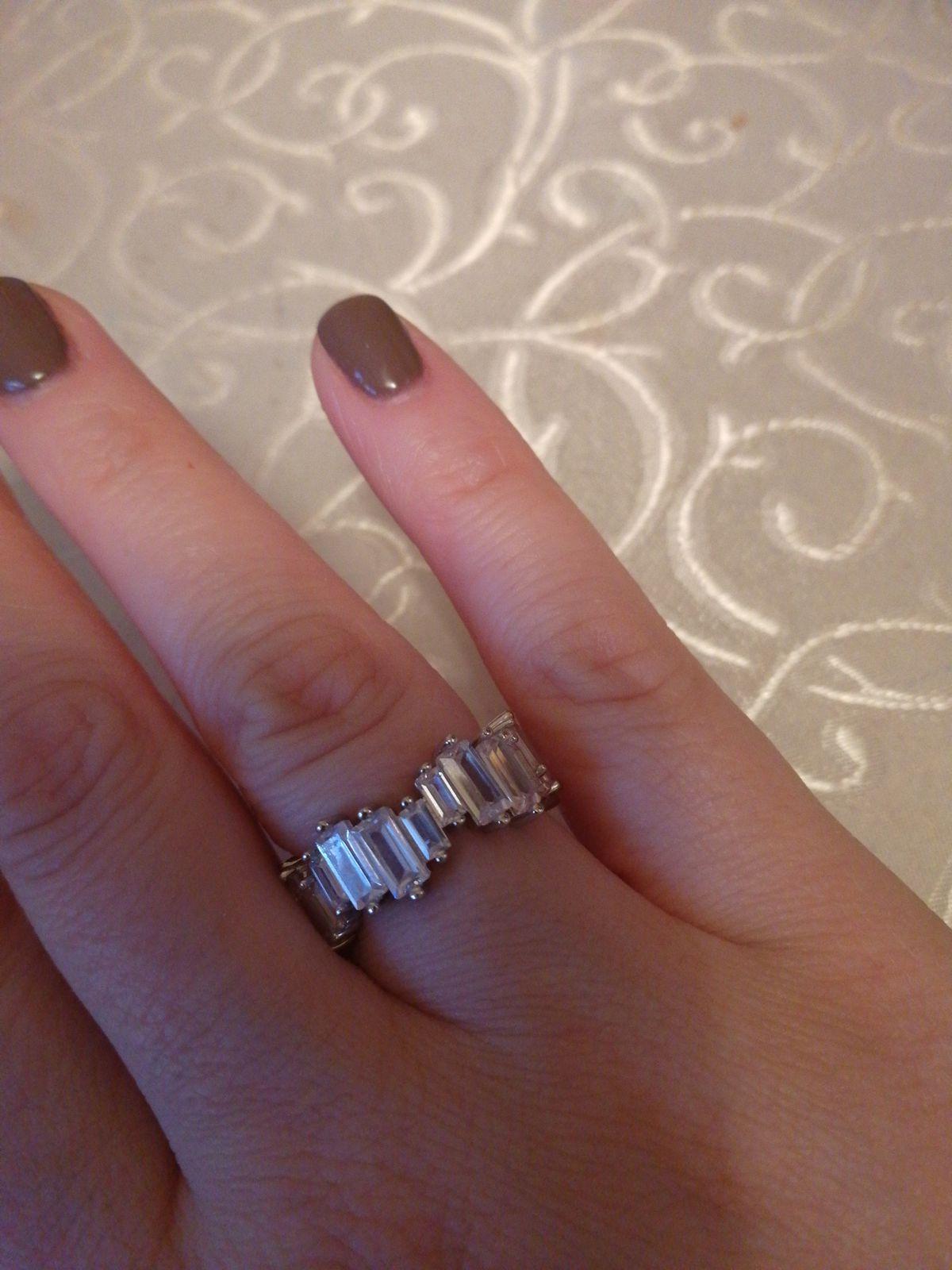 Кольцо с прямоугольными камнями