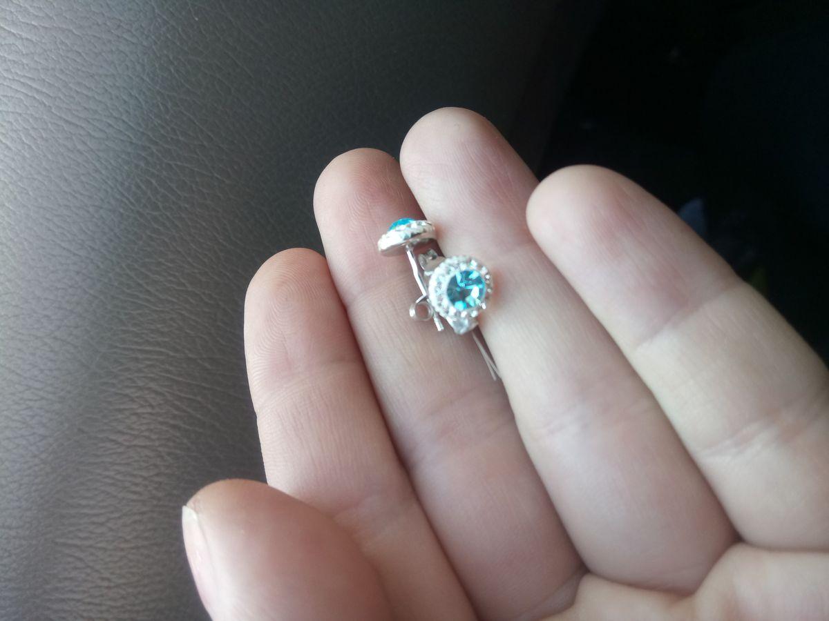 Гвоздики с кристаллами сваровских