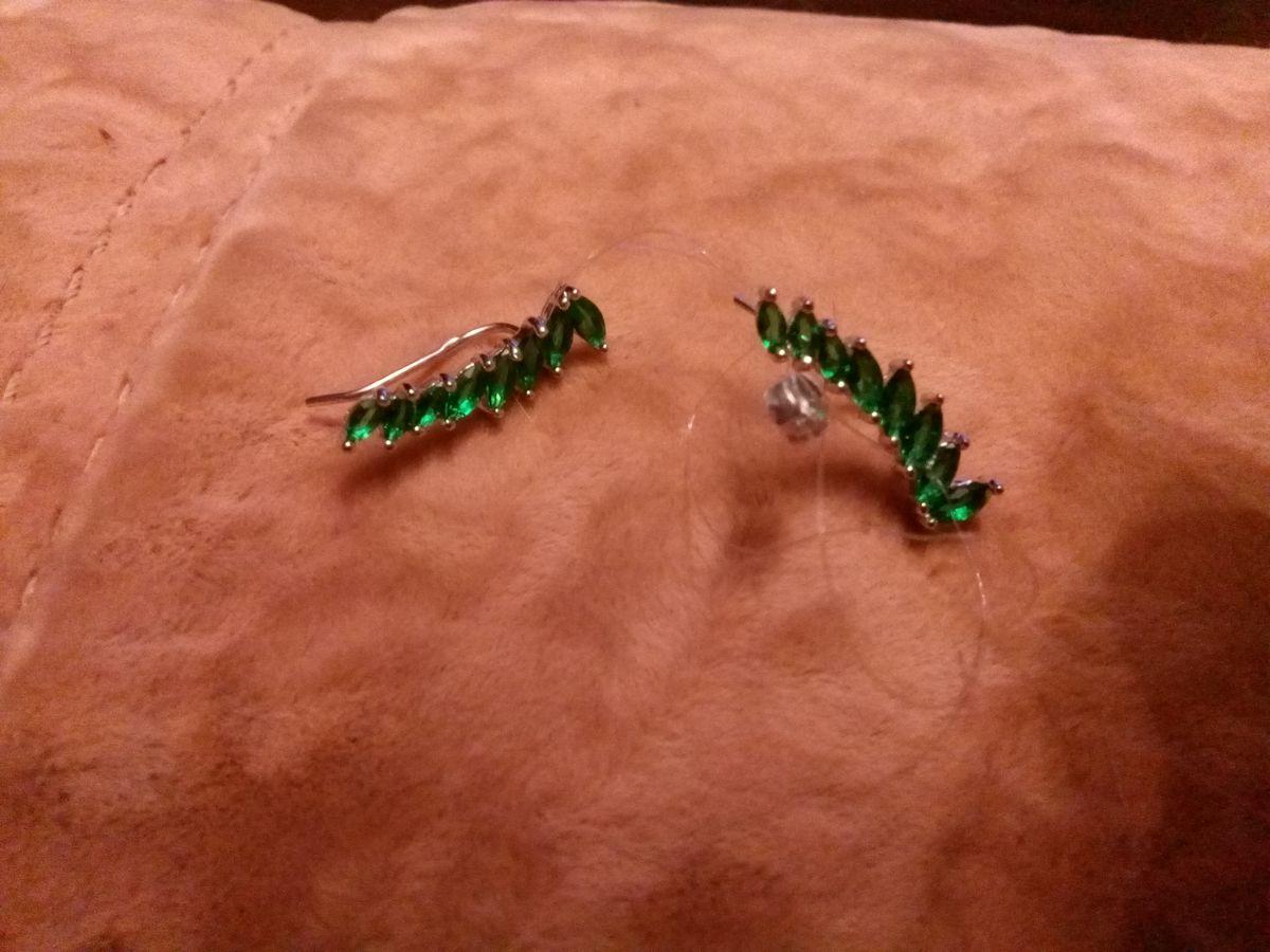 Зелёные серьги - каффы
