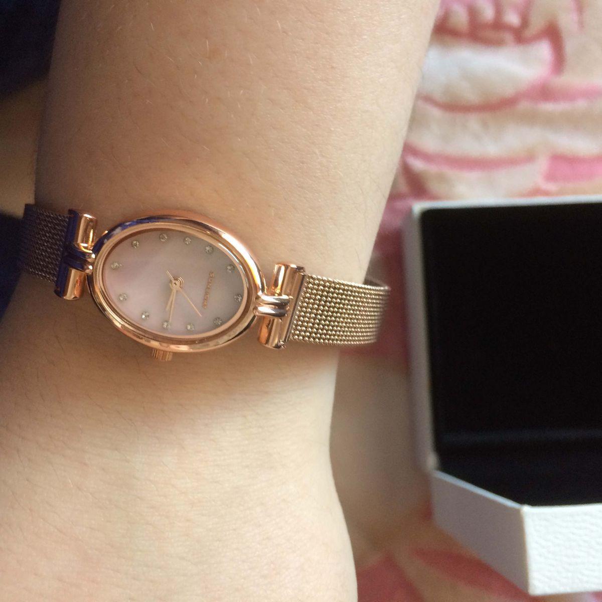 Прекрасные часы для прекрасных женщин и девушек