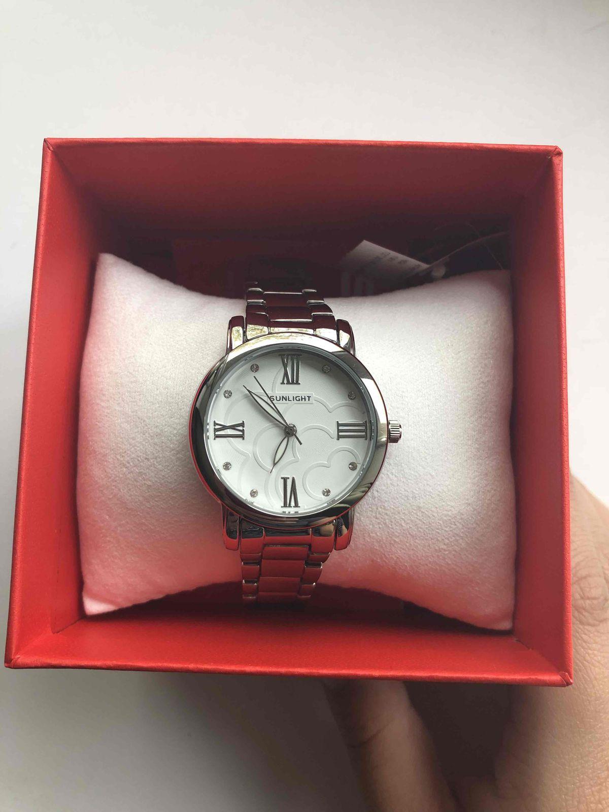 Очень красивые, стильные и женственные часы!