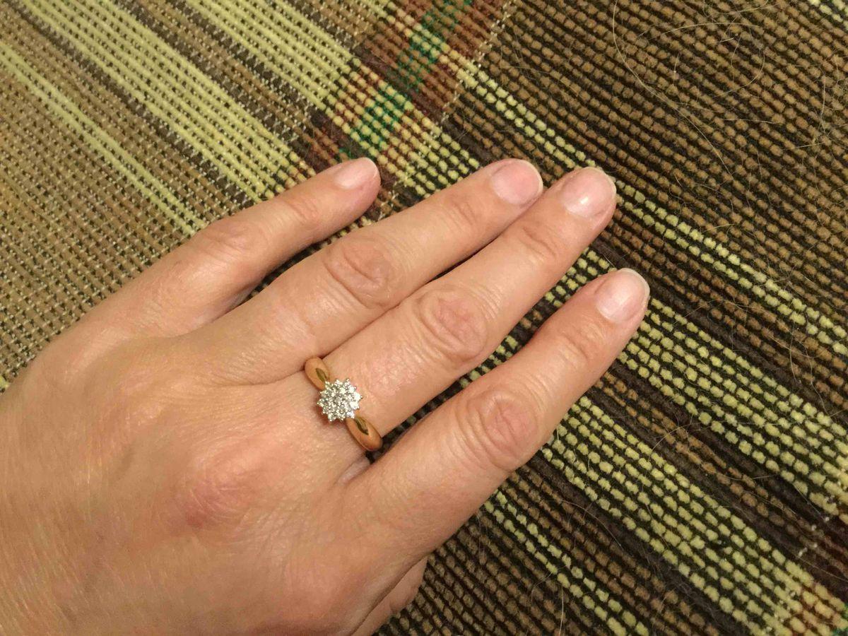 Прекрасное элегантное кольцо