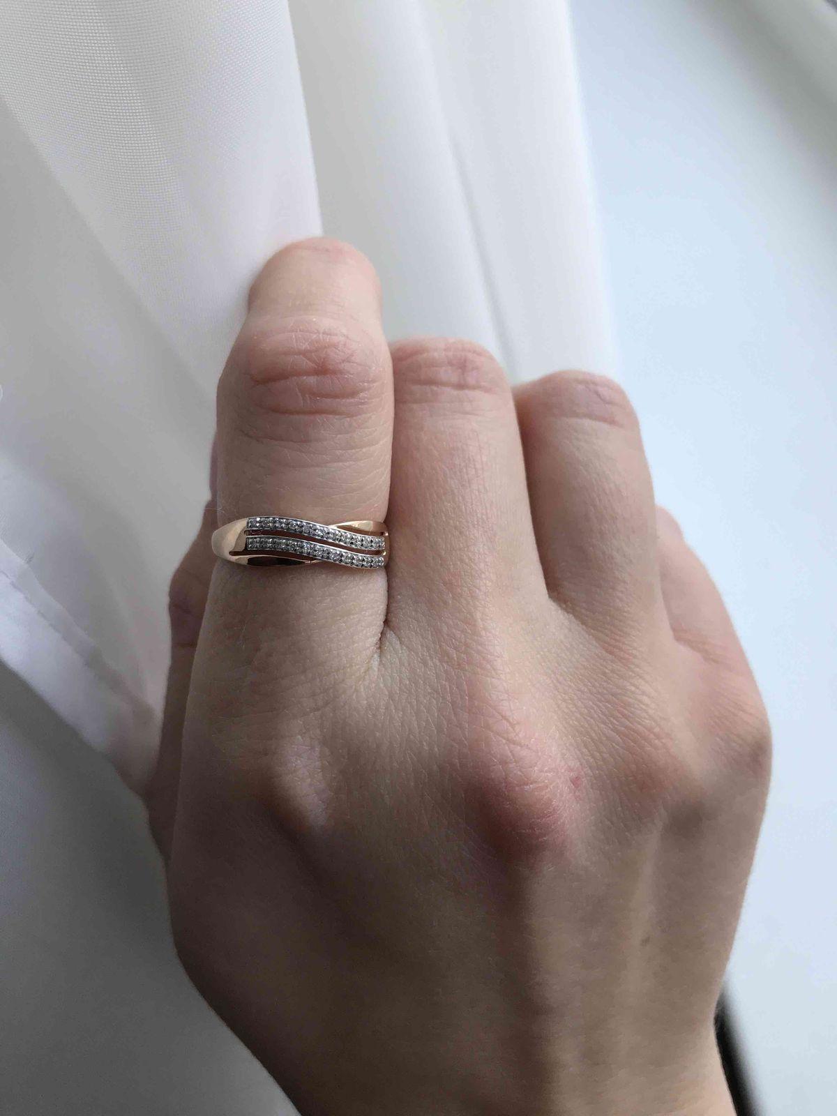 Колечко с бриллиантовой дорожкой