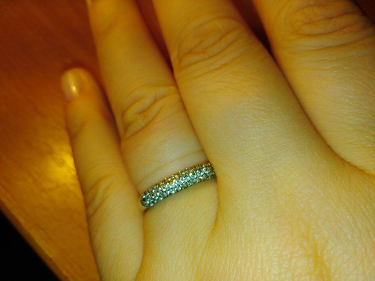 Идеальное, прекрасное кольцо как на праздники, так и на повседневку!!!!!!!