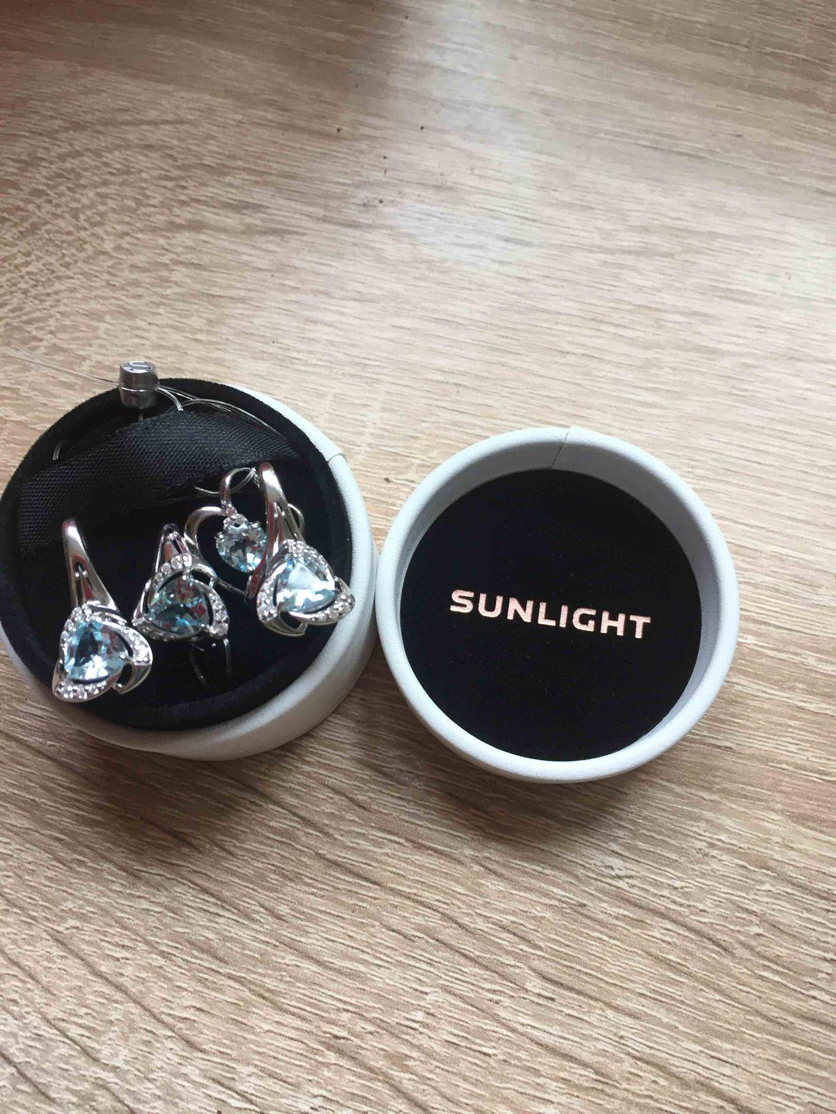 Сережки с фианитом и полудрагаценным камнем топазом