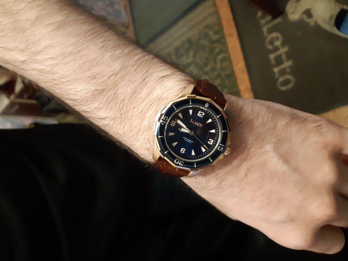 Красивые мужественные часы
