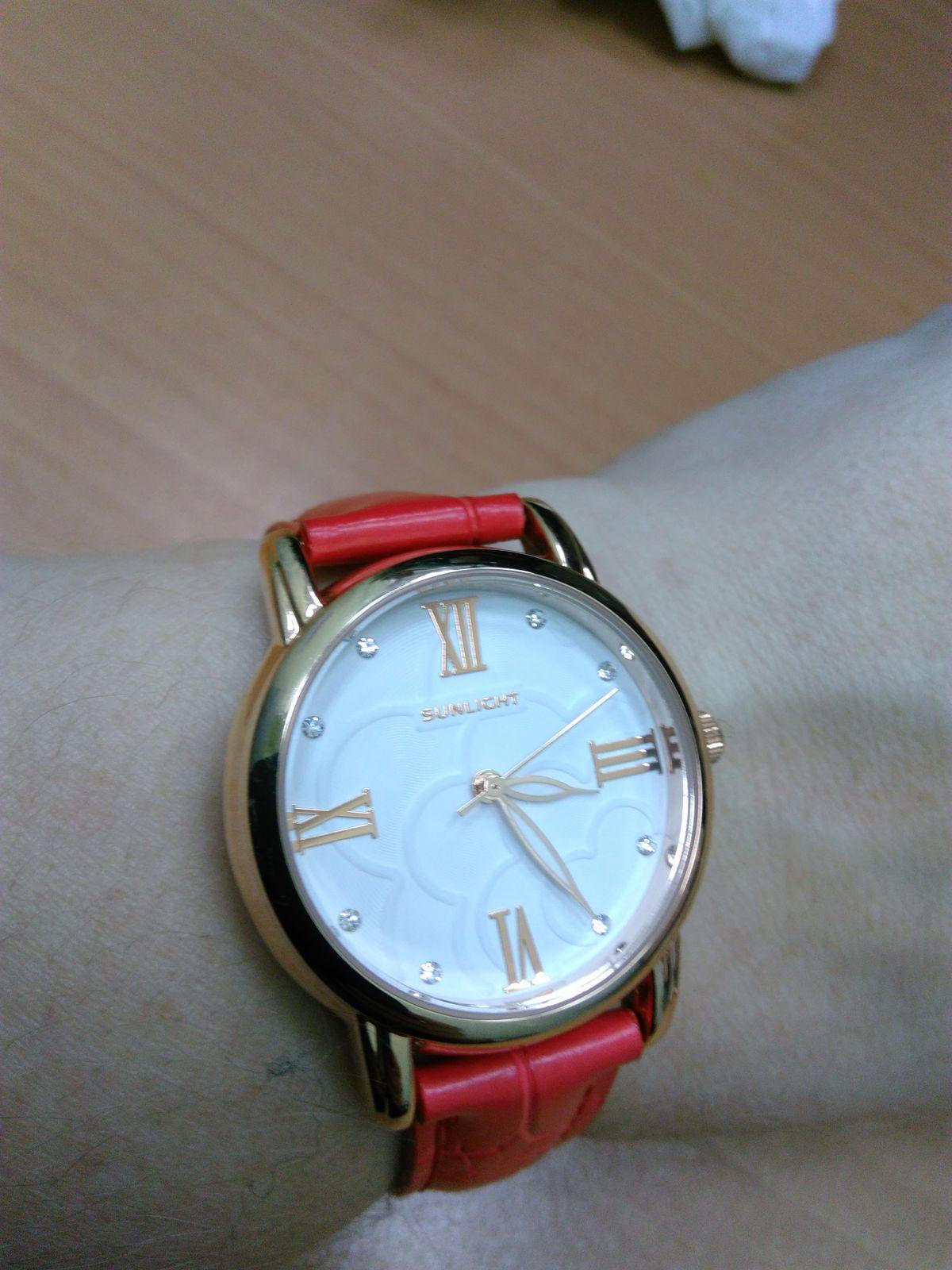 Классные часы)))мне очень нравится, ходят точно. Не подвели ни разу.