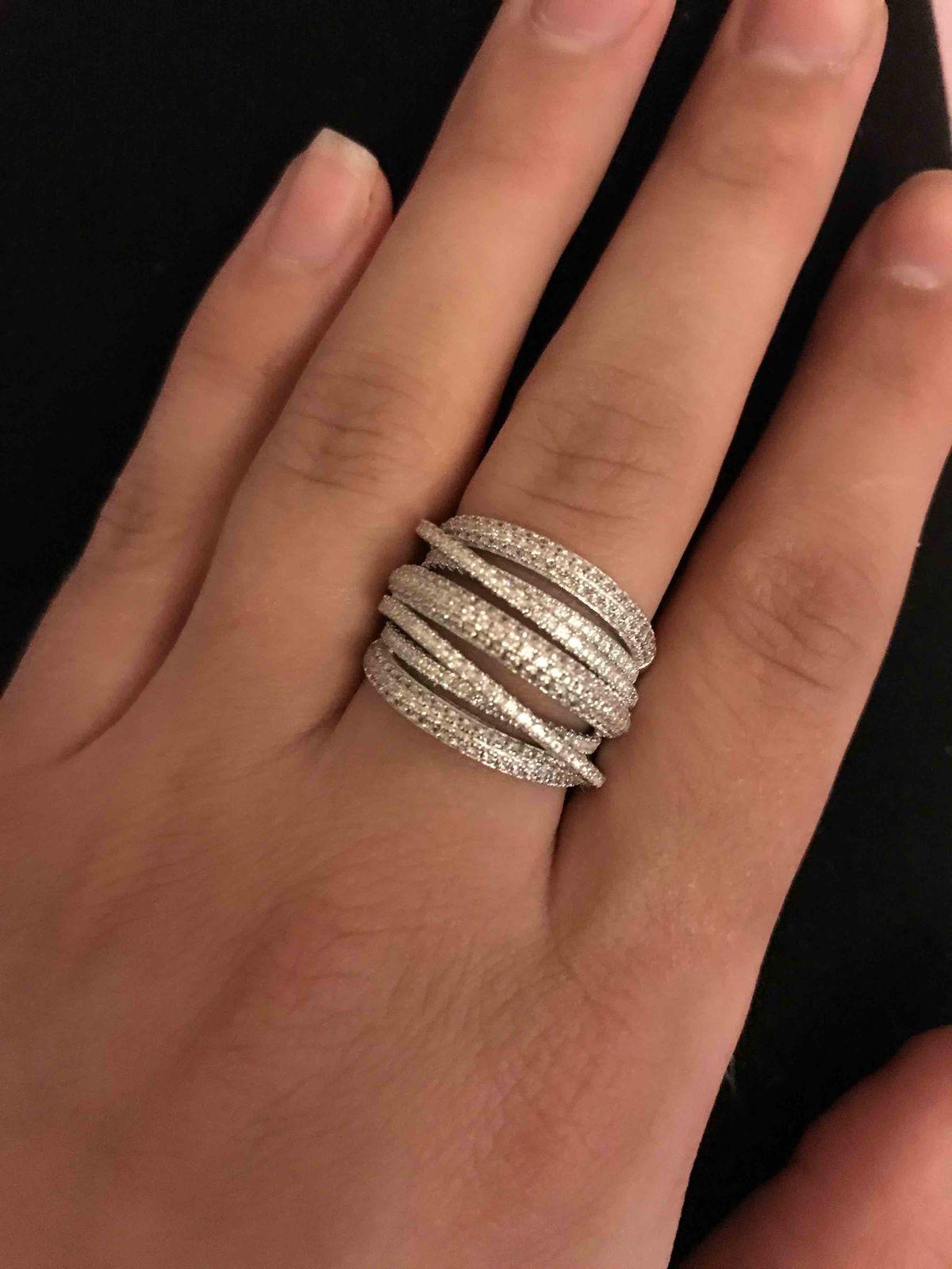 Супер кольцо , очень интересный дизайн , удобное в носке