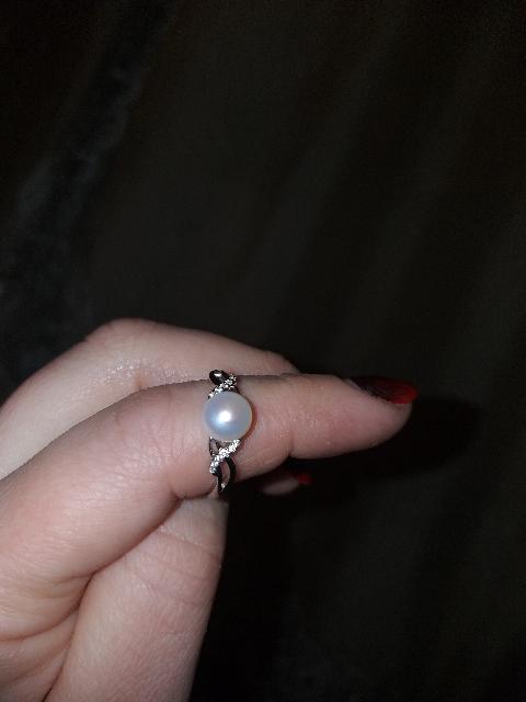 Кольцо серебрянное с жемчугом и фианитами.