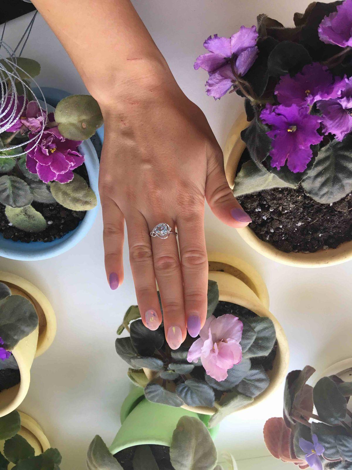 Хорошее кольцо,прекрасно смотрится!