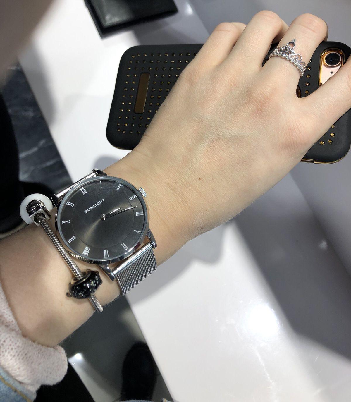 Супер модные часы