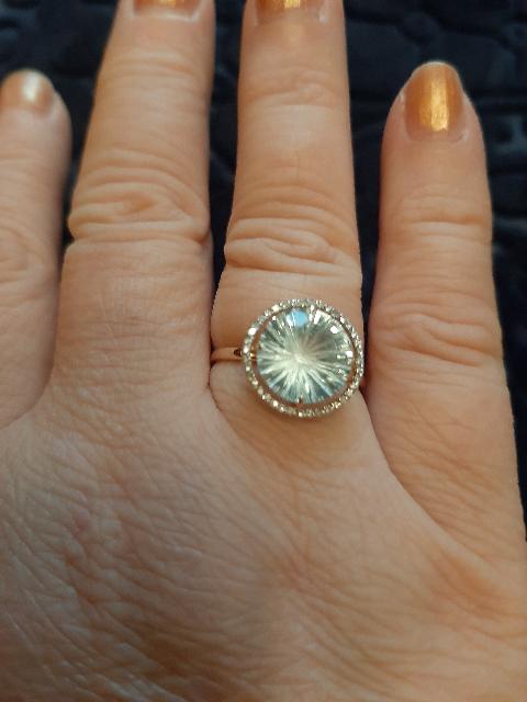 Кольцо с топазами и бриллиантами