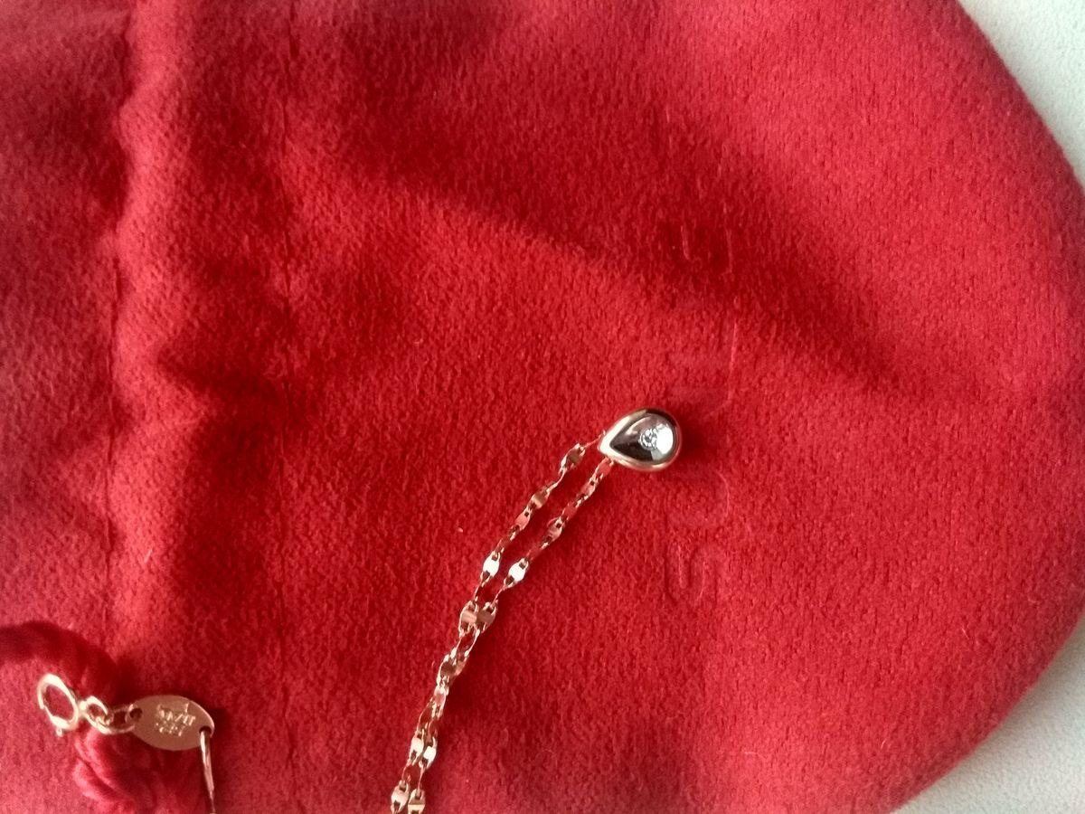 Золотая капелька с бриллиантиком