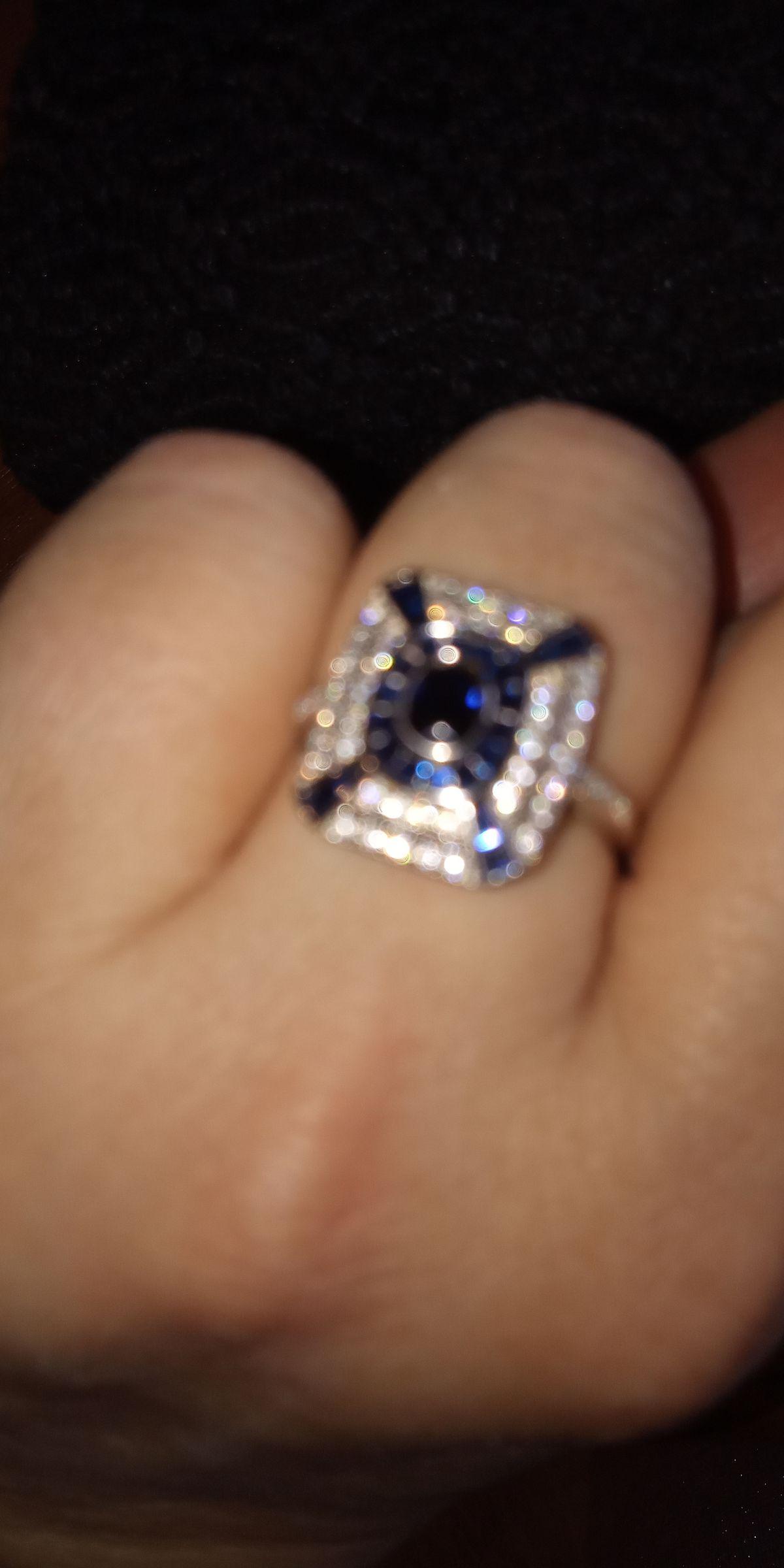 Серебряное кольцо со шпинелью.