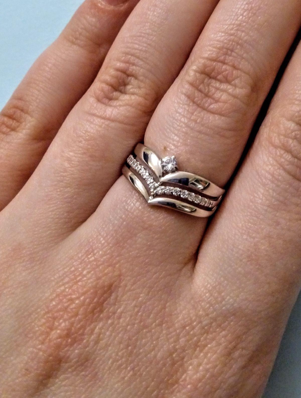 Элегантное кольцо с изюминкой