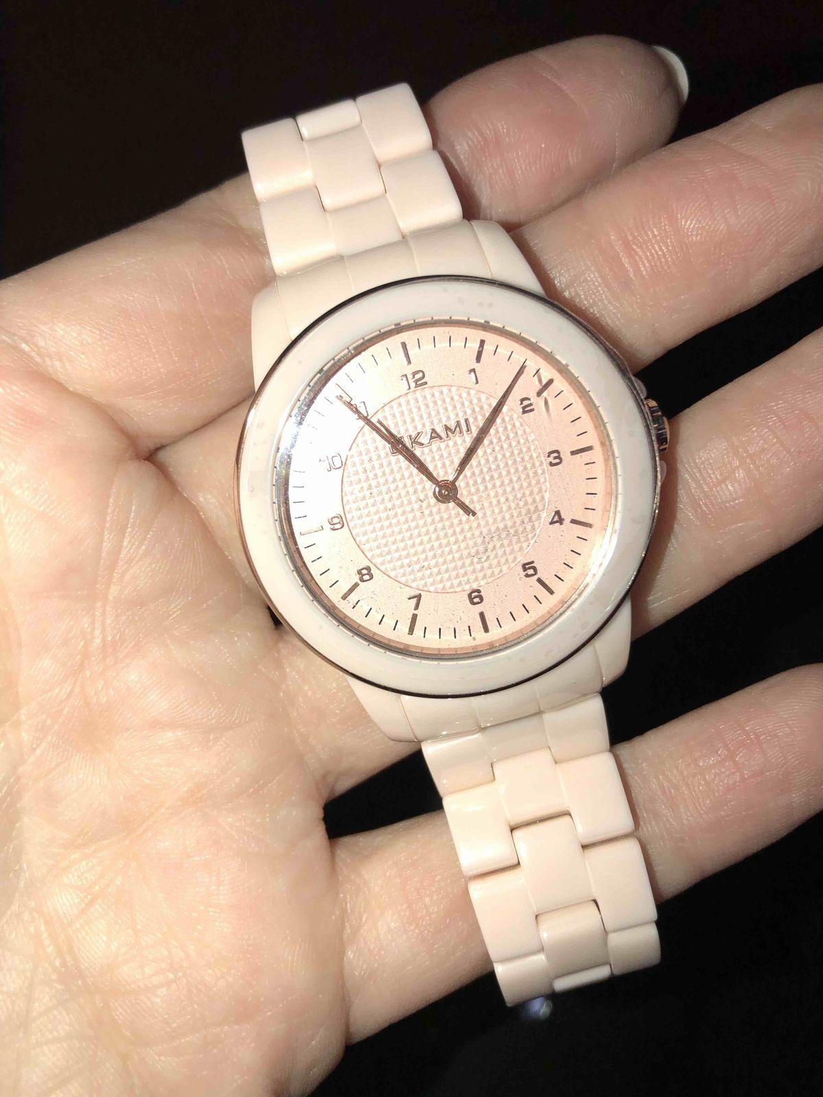 Нежнейший цвет и крутые часы
