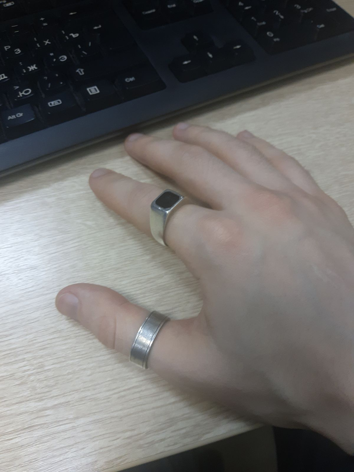 Спонтанная покупка кольца, которое давно искал.