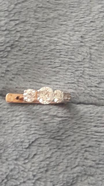 Серьги золотые с камнями фианитами