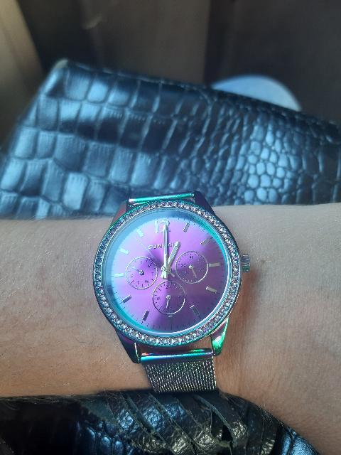 Яркие летние часы