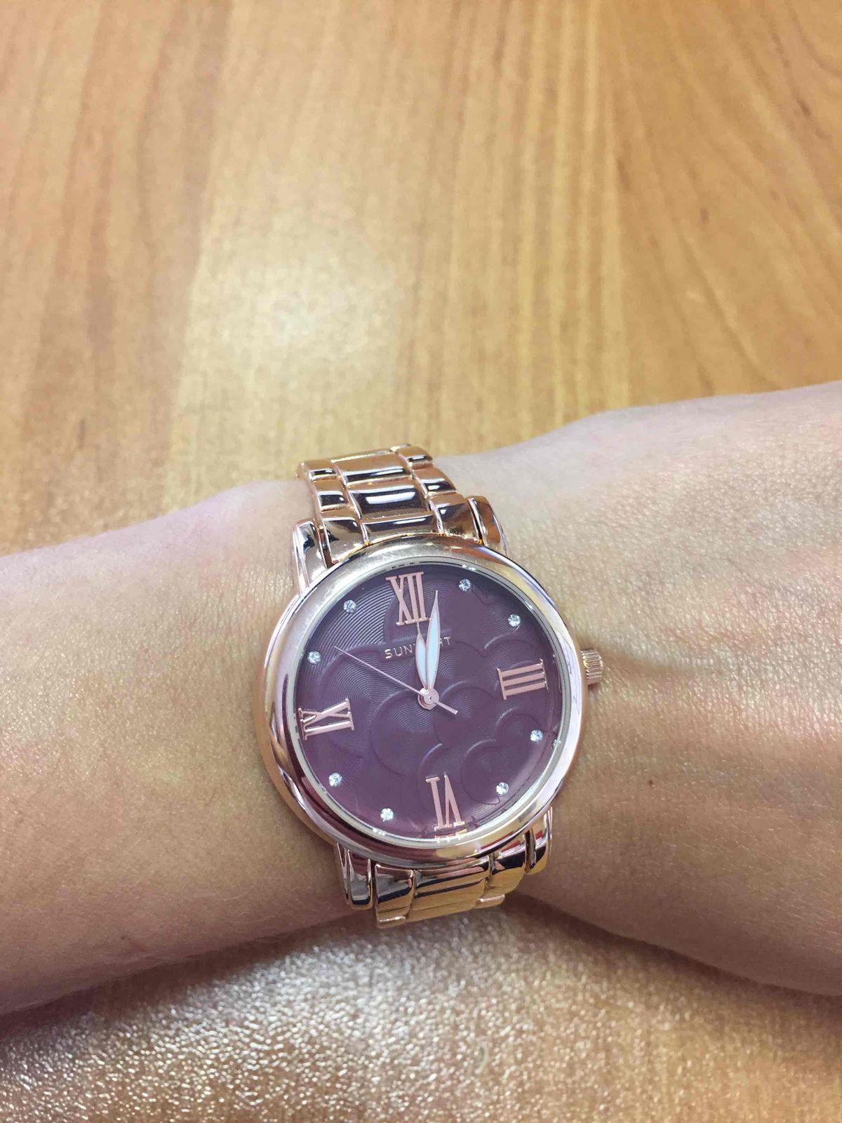 Часы красивые и стильные